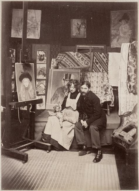 Jean Louis et Jeanne Forain dans leur atelier Derniers jours pour admirer le portrait de Jeanne Forain présenté à l'exposition Cinq cents ans de dessins de maîtres à la Fondation Custodia
